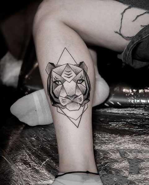 老虎头小纹身图案,好看的虎头纹身,纹身老虎头图片 每根烟的背后,总有